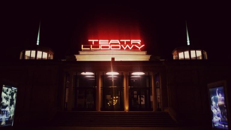 Nowa Huta neony Teatr Ludowy